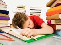 Как оказать симптомы переутомления у ребенка?