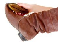 Как чистить обувь из велюра?