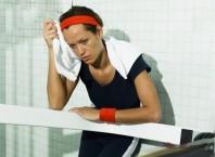 Как оказывается переутомление у спортсменов?