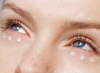 Как избавиться из утра от мешков под глазами?