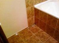 Как сделать ремонт плитки в ванной?