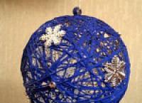 Как делать шарик из нитей с помощью воздушного шарика своими руками?