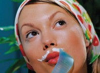 Как убрать волосы перекисью водорода на время?