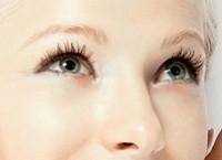 Как осветить брови перекисью водорода надолго?
