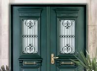Как установить двухстворчатые двери?